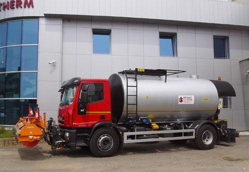 new MAZ asphalt distributor