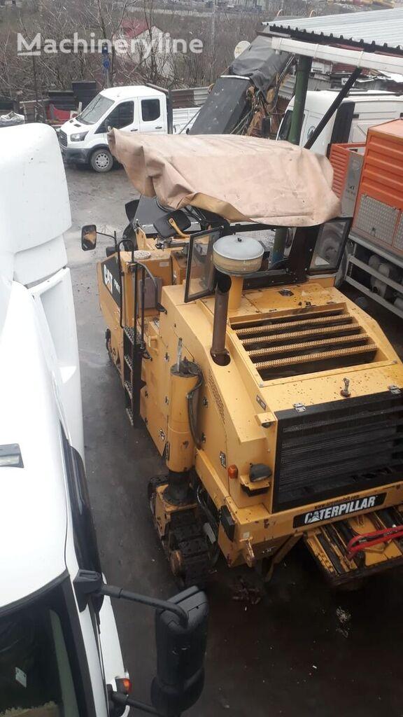 CATERPILLAR PM 102 asphalt milling machine