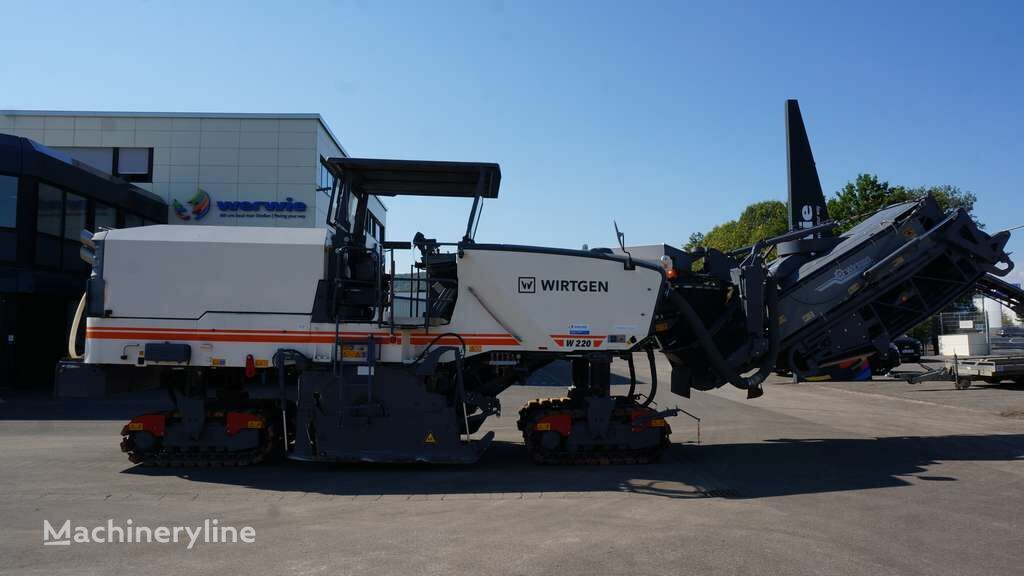 WIRTGEN W 220 asphalt milling machine