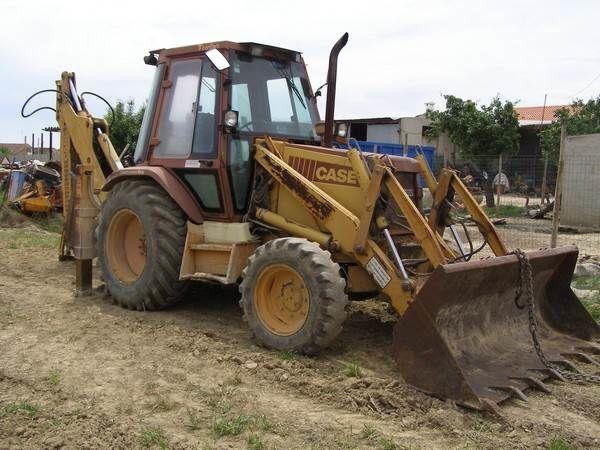 CASE 580 SuperK backhoe loader