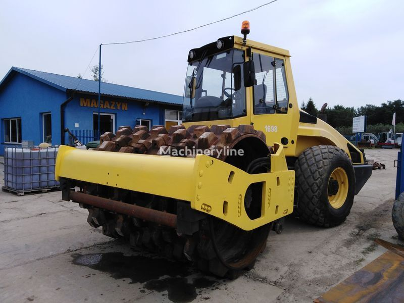 BOMAG BW213DH-4 compactor