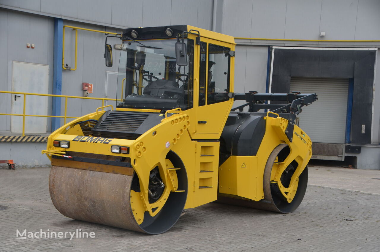 BOMAG BW 154 AD - 4 road roller