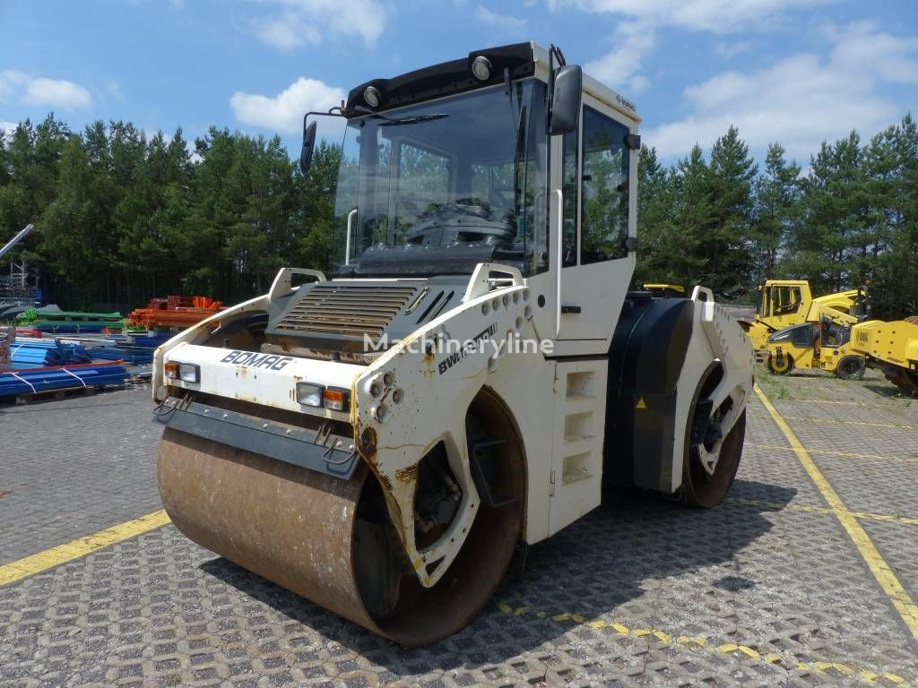 BOMAG BW 161 AD-4 road roller