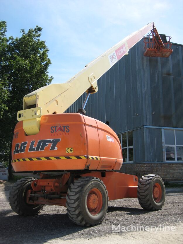 JLG 660 telescopic boom lift