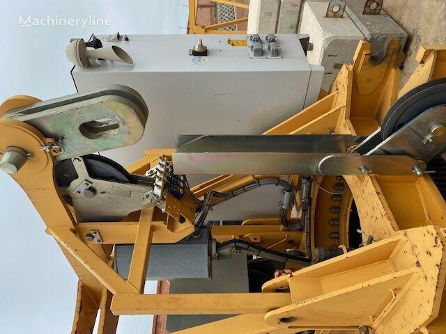 LIEBHERR 110EC-B6 tower crane