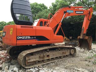 DOOSAN DH225 tracked excavator