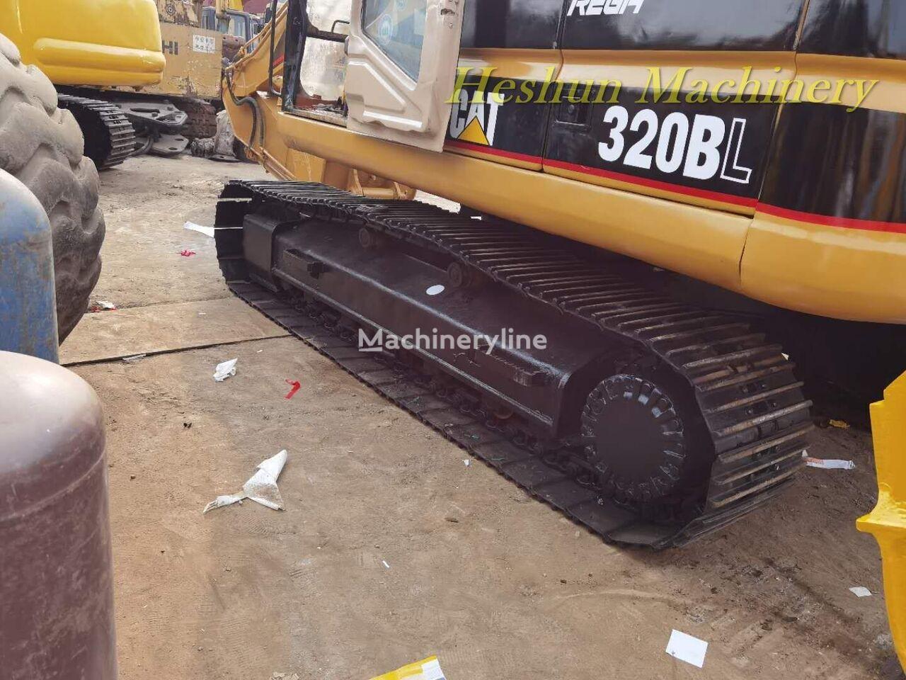 CATERPILLAR 320BL tracked excavator