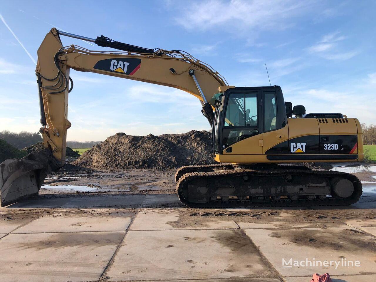 CATERPILLAR 323DL tracked excavator