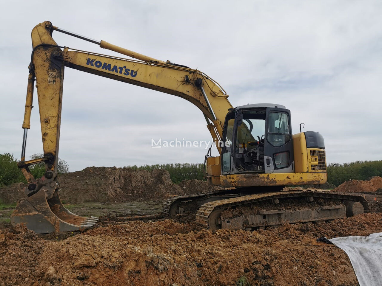 KOMATSU PC 228 USLC tracked excavator