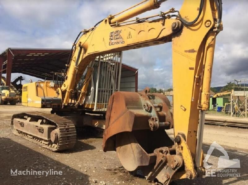 LIEBHERR R 922 HDSL tracked excavator