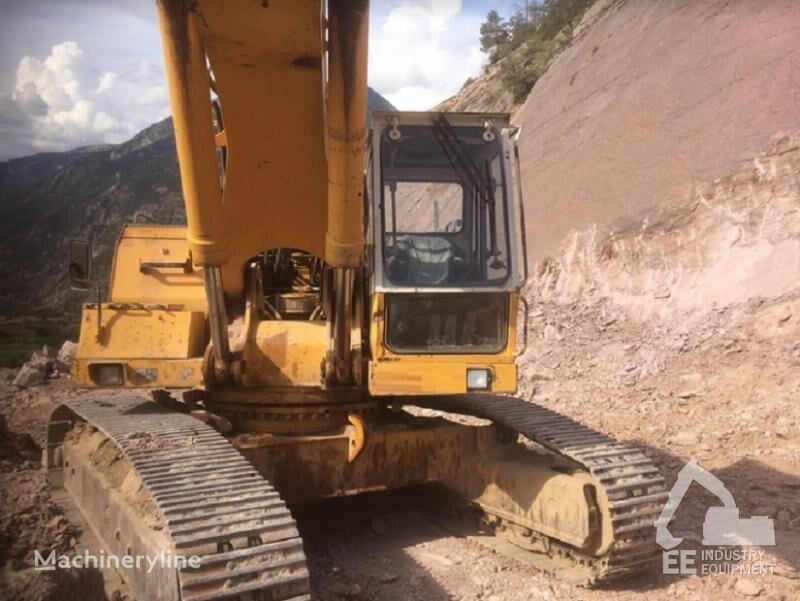 LIEBHERR R 952 tracked excavator