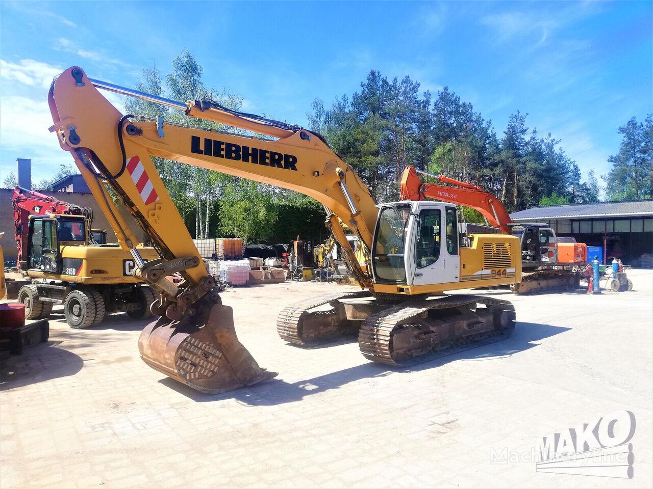 LIEBHERR R944 tracked excavator