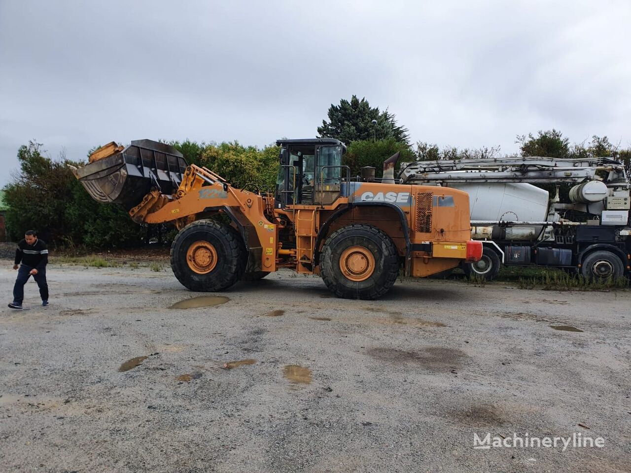 CASE 1221E wheel loader
