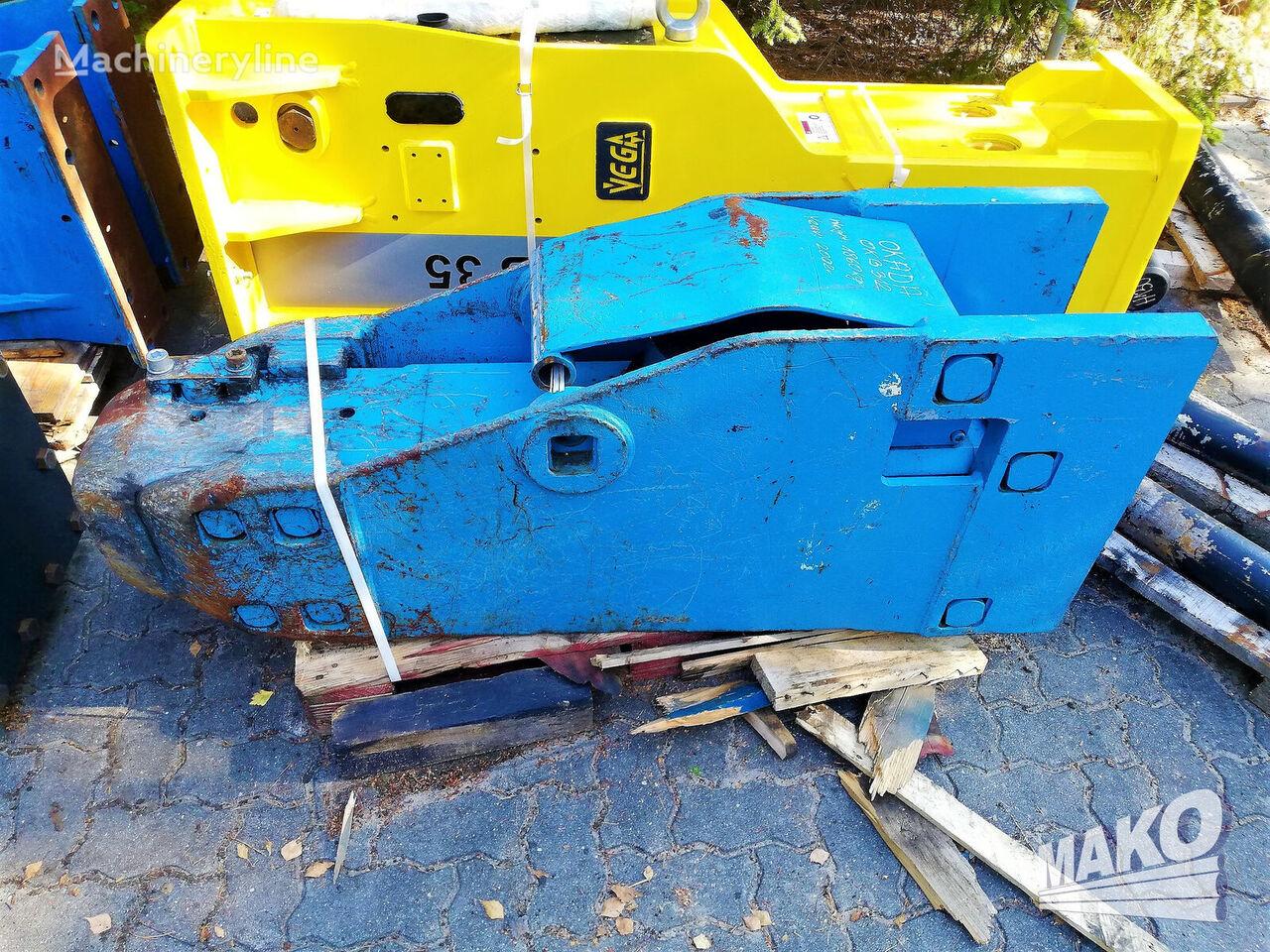 OKADA OKB 312 hydraulic breaker