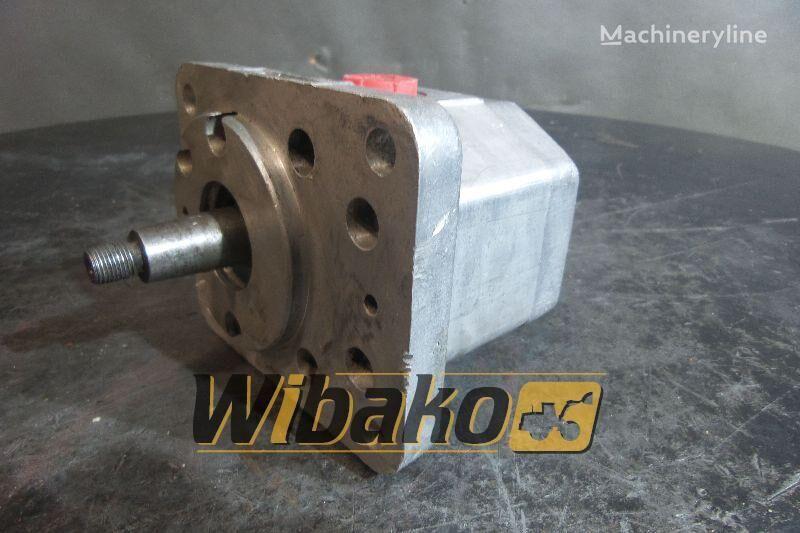 PZL PZ2-K63 (R03226) gear pump for excavator