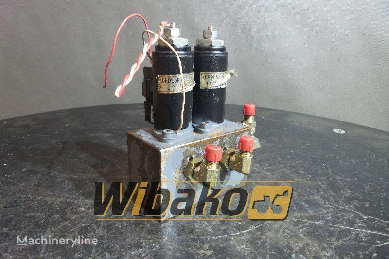 KAWASAKI 2KWE5G-30 (YN35V00040F1) hydraulic distributor for excavator