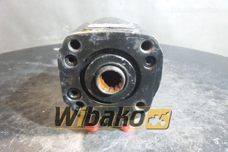 Char-Lynn (2633161082) other hydraulic spare part for JCB JS130 excavator