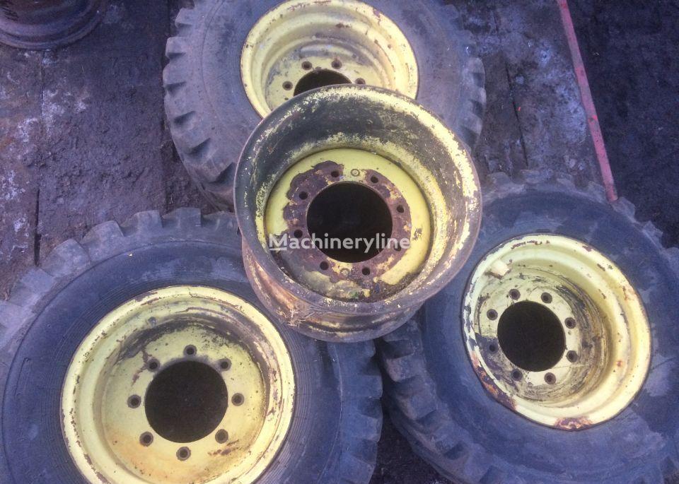 JOHN DEERE Koła do ładowarki manitou ,john Deere 4200 4400 13x20 , 20 cali wheel